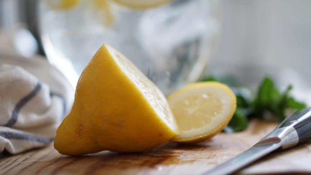 Remplacer le sel par du jus de citron